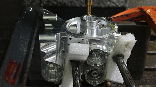铝合金外壳手板五轴加工